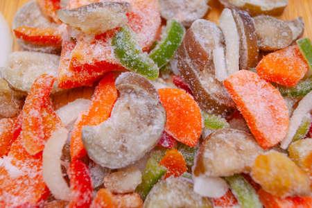 bright colored sliced frozen vegetables Banque d'images - 110024833