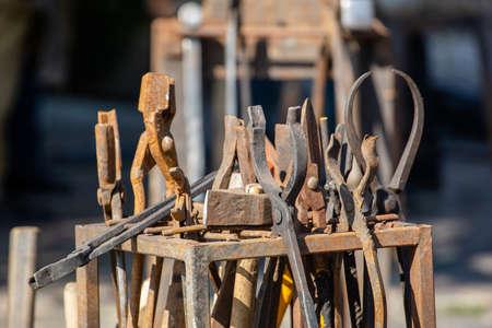old rusty blacksmith work tools Stock fotó - 134718515