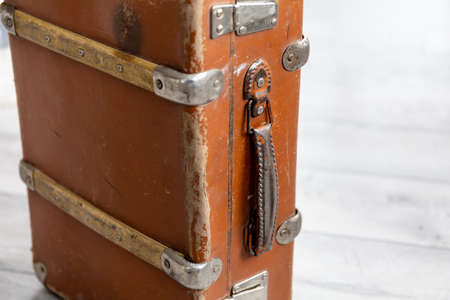 close-up old vintage brown suitcase 免版税图像 - 158152547