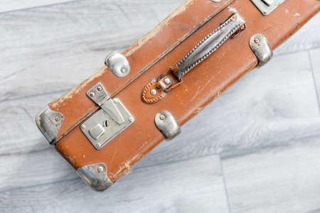 close-up old vintage brown suitcase 免版税图像