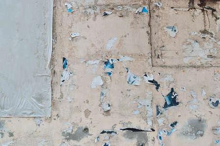 Grunge gescheurd straat billboard posters op de muur achtergrond Stockfoto - 34399059