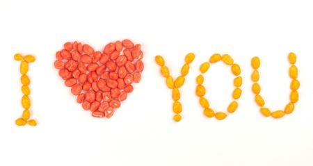 te amo: Inscripción I Love You arreglado con grageas de cacahuete