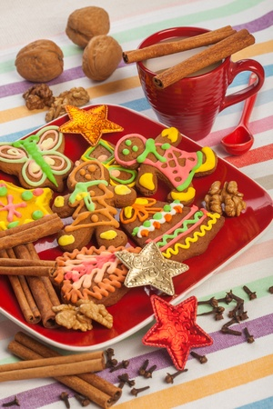 gingerbread on a red plate, Christmas cookies photo