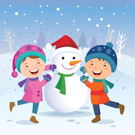bonhomme de neige: Plaisirs d'hiver. Enfants construction bonhomme de neige. Vacances d'hiver!