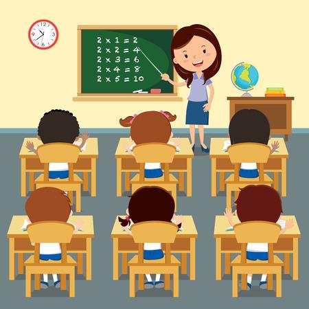 Alegre enseñanza del profesor en el aula. ilustración de un profesor alegre que tiene lección con niños de la escuela. Ilustración de vector