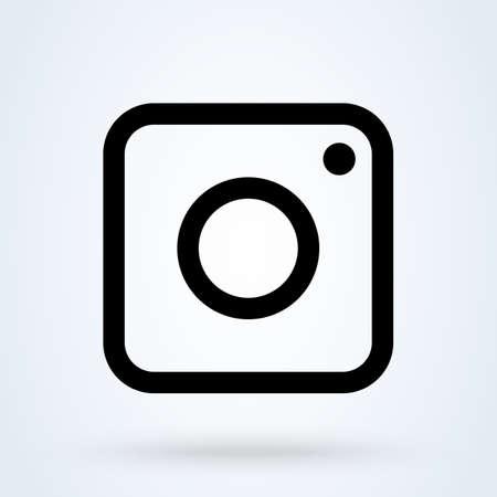 Social media Camera lens. vector Simple modern icon design illustration.