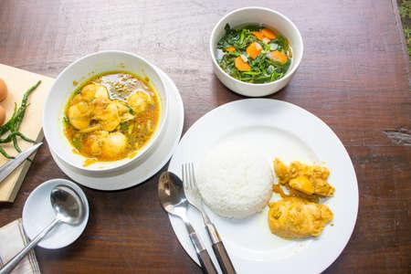 계란 간장, 닭 간장, Opor Ayam, 닭 육즙, 인도네시아 음식 | 아시안 푸드 스톡 콘텐츠