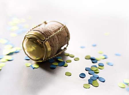 confetti with campagne cork 3