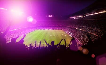 붐비는 축구 경기장 스톡 콘텐츠