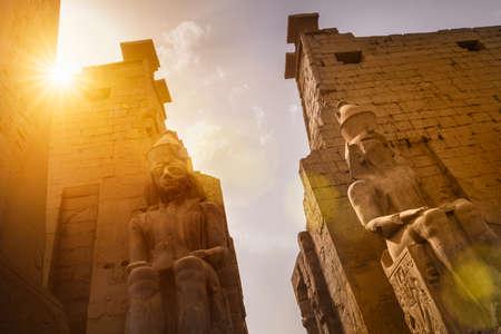Entrance of the Luxor Temple, Egypt Standard-Bild