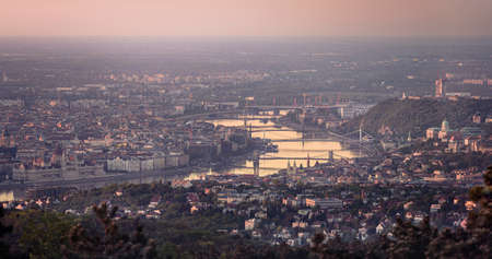 View of Budapest with the River Danube and Bridges at dawn from Hármashatárhegy Standard-Bild