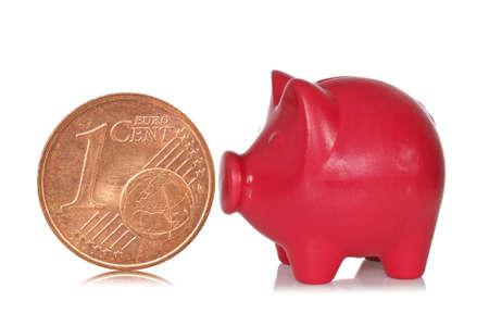 coinbank: Red hucha y un c�ntimo de euro sobre un fondo blanco