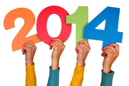 Handen met nummers toont jaar 2014. Geïsoleerd op witte achtergrond