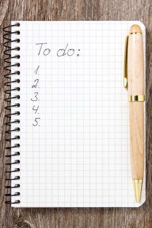 todo: Pen et bloc-notes avec une liste de choses � faire