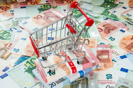 purchasing power: Concept for purchasing power, shopping, money printing and inflation