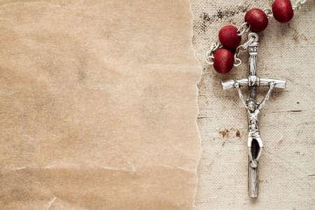 różaniec: Katolicki różaniec z kawałka papieru dla kopii przestrzeni