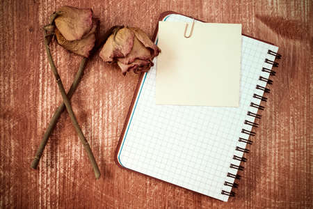 note notebook: Old roses and notebook with blank sticky note