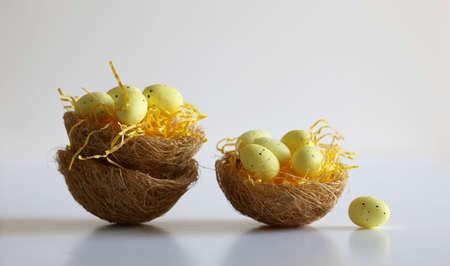Easter eggs in baskets Foto de archivo