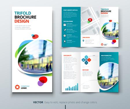 Conception de brochure entreprise tri pli. Modèle d'entreprise bleu sarcelle et orange pour flyer tri fold. Mise en page avec une photo carrée moderne et abstrait. Creative concept 3 flyer plié ou une brochure. Vecteurs