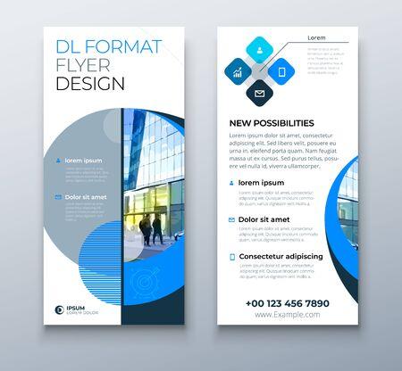 DL-Flyer-Design. Blaue Geschäftsvorlage für dl-Flyer. Layout mit modernem Kreisfoto und abstraktem Hintergrund. Kreatives Flyer- oder Broschürenkonzept.