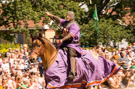 mediaval: Wadkoping Orebro Sweden Juli 2016 mediaval fair with market and nights reenactment riding horses