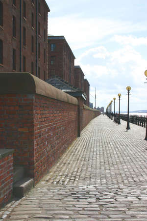 mersey: Walkway alongside the river Mersey in Liverpool, England