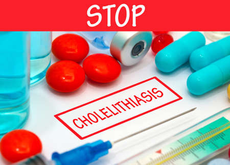 Stop cholelithiasis. Vaccine to treat disease. Syringe and vaccine with drugs.