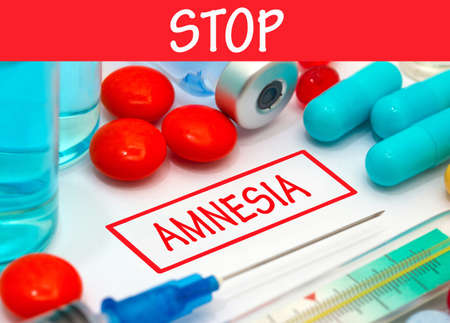 amnesia: Stop amnesia. Vaccine to treat disease. Syringe and vaccine with drugs.