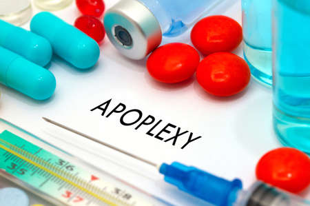 sudden death: Apoplexy. Treatment and prevention of disease. Syringe and vaccine. Medical concept. Selective focus