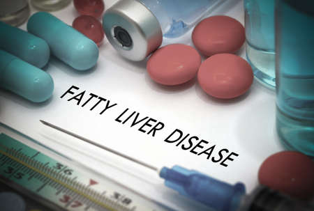 fatty liver: Fatty liver disease. Treatment and prevention of disease. Syringe and vaccine. Medical concept. Selective focus Stock Photo