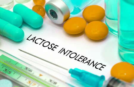 intolerancia: Intolerancia a la lactosa. Tratamiento y prevenci�n de la enfermedad. Jeringa y la vacuna. Concepto m�dico. enfoque selectivo
