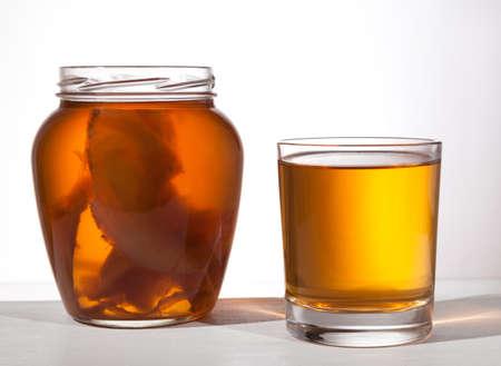 Kombucha superfood drank in glas Stockfoto - 38264794