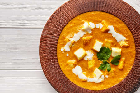Close up of Shahi paneer texture Indian vegetarian masala gravy meal with vegetables and white sauce Stockfoto