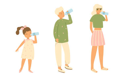 Set of isolated hand drawn thirsty children and woman standing and drinking pure water over white background vector illustration. Happy childhood concept Banco de Imagens - 139535764
