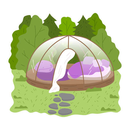 Round glass glamping house with bedroom inside surrounded by green forest Stockfoto - 152007894