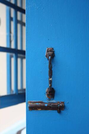 porte ancienne: La poign�e de porte ancienne Banque d'images