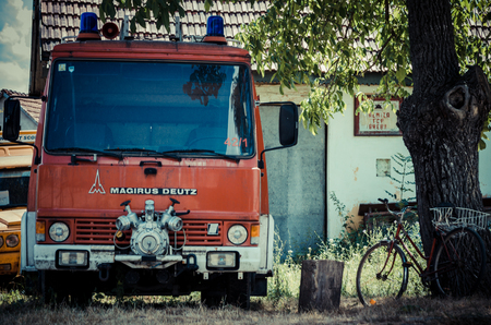 Brebu, Romania - July 19, 2012:  Old fire vehicle in Brebu, small village in south-western region of Romania, Banat Banque d'images