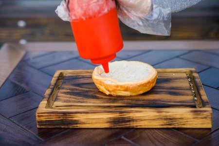broiled: Preparing delicious hamburger