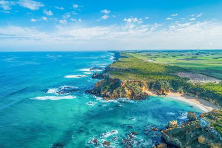 Hermosa costa del océano cerca de Warrnambool, Victoria, Australia Foto de archivo