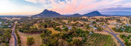 Wide aerial panorama of Grampians mountains and countryside at sunset 版權商用圖片
