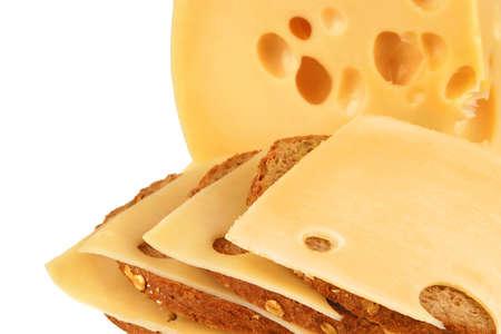 trozo de queso amarillo con rodajas de pan  Foto de archivo - 6079103