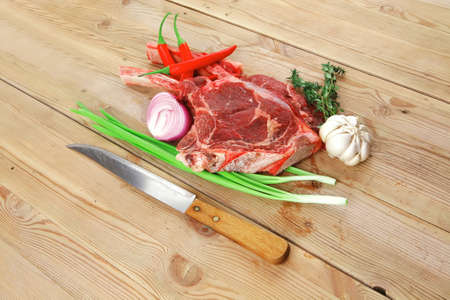 hidef: corned beef on plate with vegetables over wooden table 1920x1080 intro motion slow hidef hd