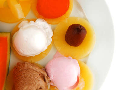 brylle: fruits served and mixed with ice cream