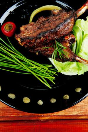 alcaparras: plato principal: asado de costillas con alcaparras y ceboll�n
