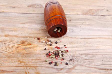 ricin: poivre sec avec ricin sur bois Banque d'images