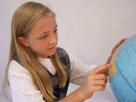 세계를보고있는 소녀 스톡 콘텐츠