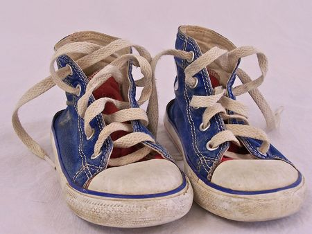 child's tennis shoes