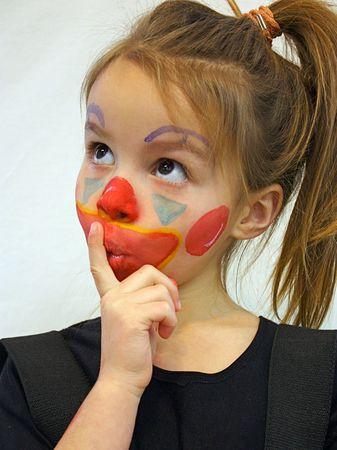 cara pintada: Retrato de ni�a con la cara pintada