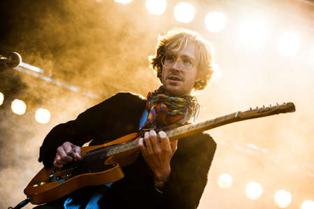indie: Vocalist Erlend Oye of the indie-rock band Kings of Convenience performs in concert on Traena Festival, Norway