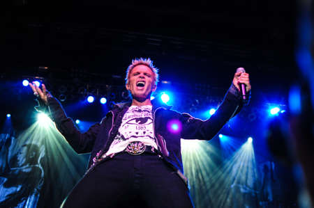 billy: 7 Juillet 2010 - Moscou, Russie - Le chanteur de rock britannique Billy Idol en live au stade Luzhniki.